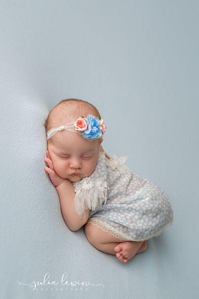 Babyfotografie Photoprops Taufkleid
