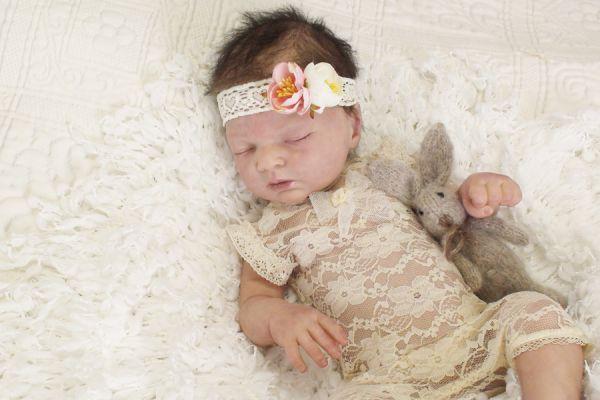 Baby Body aus Spitze und Haarband Photoprops