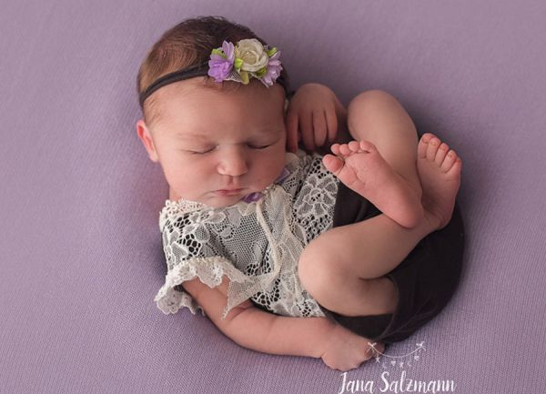 Neugeborenen Body mit Spitze und Haarband für Babyfotografie