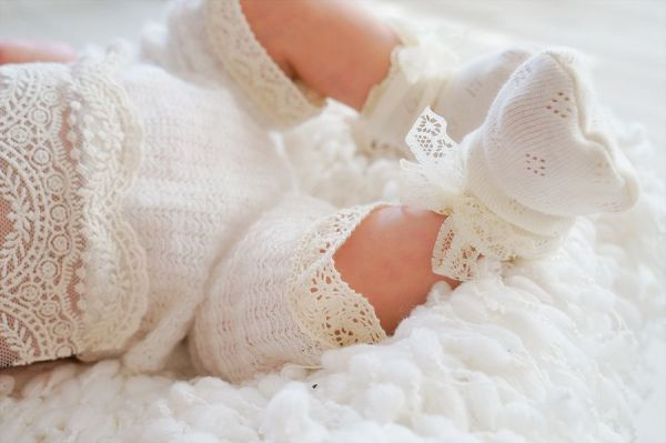 Babyssöckchen für Taufe, Füßlinge
