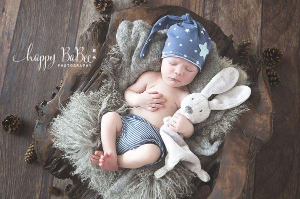 Neugeborenen Outfit für Babyshooting
