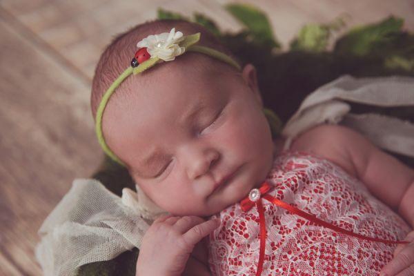 Newborn Romper mit Spitze und Haarband Marienkäfer