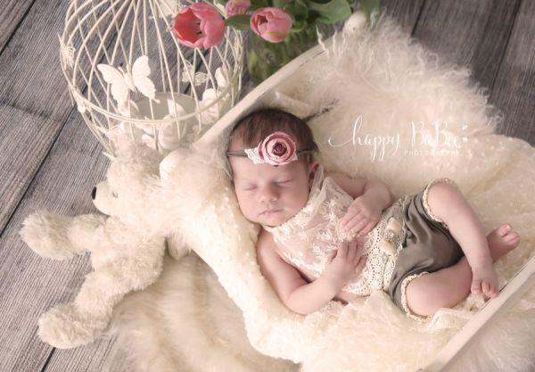 Festliches Windelhöschen aus Spitze für Baby