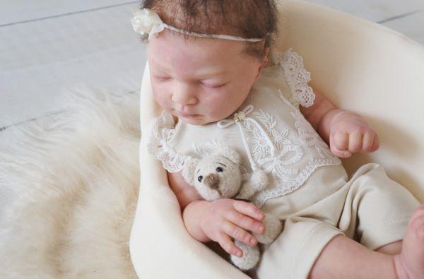 Festliches Neugeborenen Body mit Spitze für Taufe oder Babyfotografie
