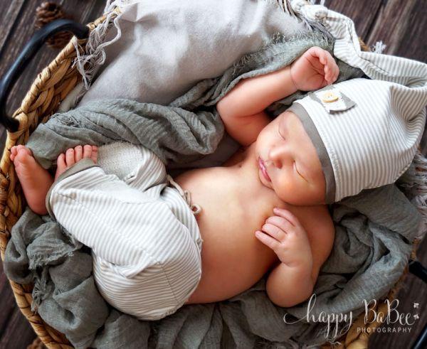 Babyboy Hose und Zipfelmütze Fb. Beige