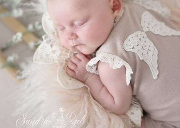Babybody Engel mit Engelsflügelchen